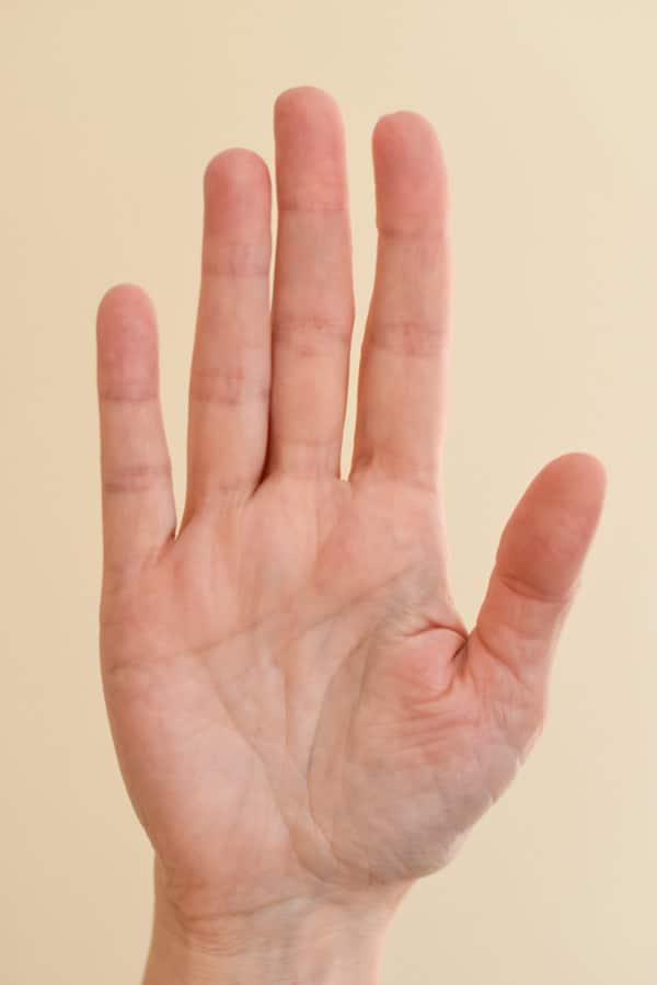 Longer pointer finger than ring finger